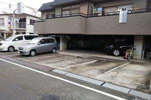 本羽田1-13 潮田駐車場